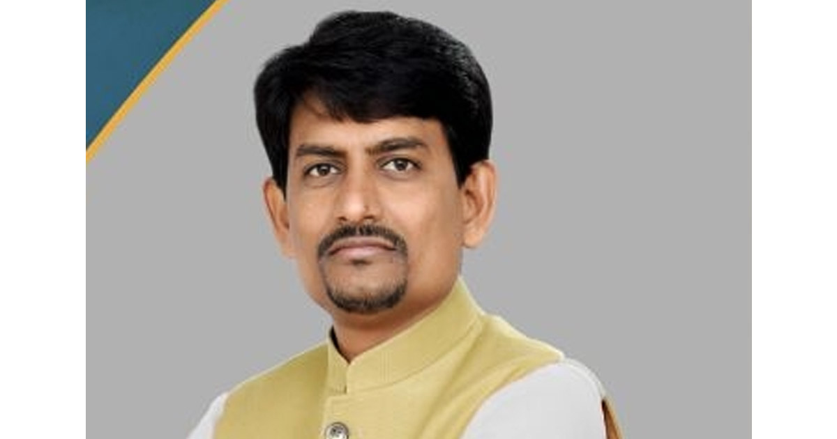 http://www.meranews.in/backend/main_imgs/Alpesh-thakor_guajrat-congress-mla-alpeshthakor-likely-to-join-bjp_0.jpg