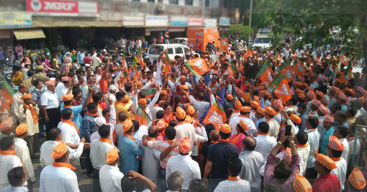 http://www.meranews.in/backend/main_imgs/BJP-Protest_bjps-list-of-candidates-draws-widespread-protests-from-rank_0.jpg