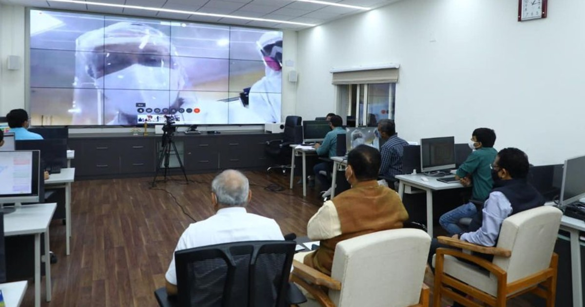 http://www.meranews.in/backend/main_imgs/CMDYCM_chief-minister-and-deputy-chief-minister-made-virtual-visit-rajkot-civil-hospital_0.jpg?19