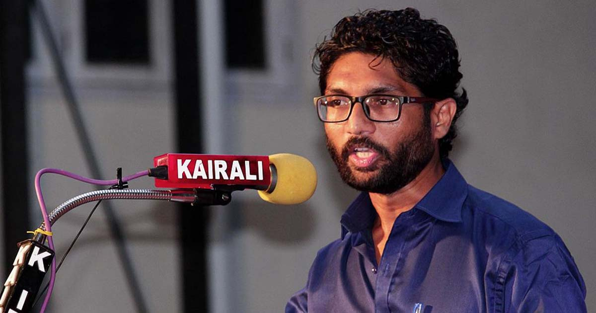 http://www.meranews.in/backend/main_imgs/Jignesh_Mevani_i-am-not-for-sale-says-dalit-leader-jignesh-mevani_0.jpg