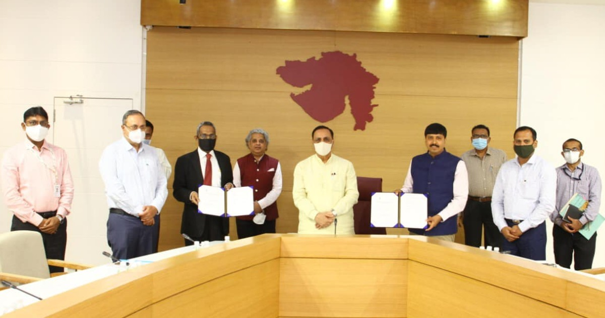 http://www.meranews.in/backend/main_imgs/MOUSIDBIGujarat_mou-signed-between-sidbi-government-of-india-and-gujarats-indusries-department-cm_0.jpg?70