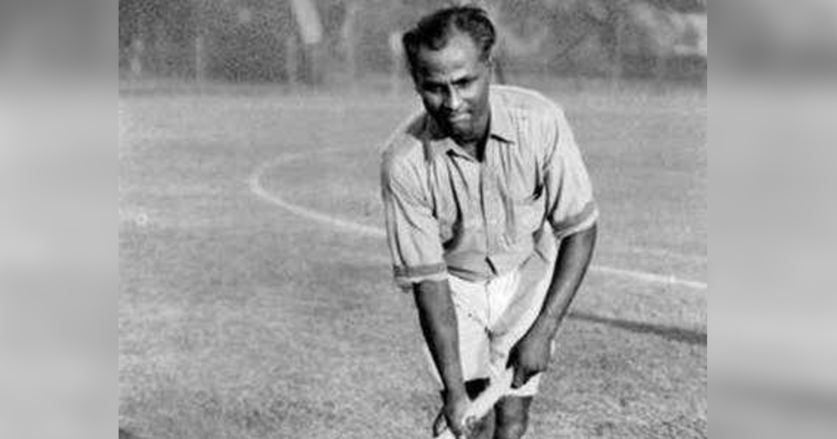 http://www.meranews.in/backend/main_imgs/MajorDhyanChand_pm-greets-sportspersons-on-national-sports-day-pays-tribute-major-dhyanchand_0.jpg?88