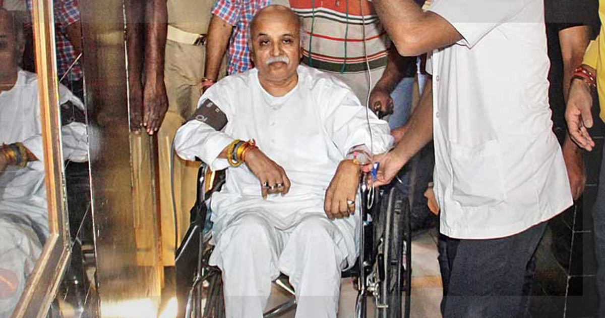 http://www.meranews.in/backend/main_imgs/Togadia_togadia-fires-first-salvo-in-undeclared-war-with-modi_0.jpg