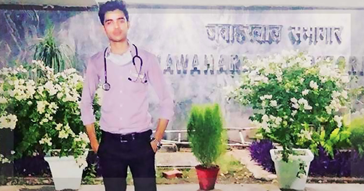 http://www.meranews.in/backend/main_imgs/adnaann_youth-impersonating-as-doctor-nabbed-from-aiims-in-delhi_0.jpg