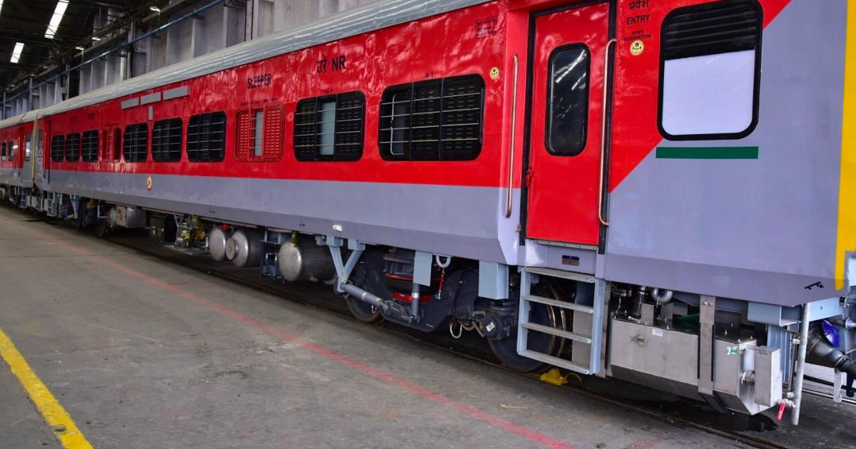 http://www.meranews.in/backend/main_imgs/coach_indian-railway-design-special-coach-for-passengers_0.jpg?1