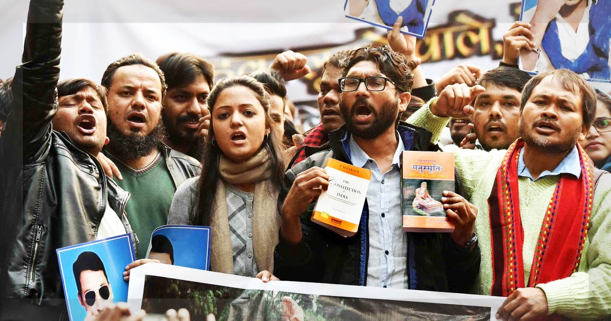 http://www.meranews.in/backend/main_imgs/jigneah-mevani_yuva-huknar-rally-catapults-jignesh-mevani-to-national-arena_0.jpg
