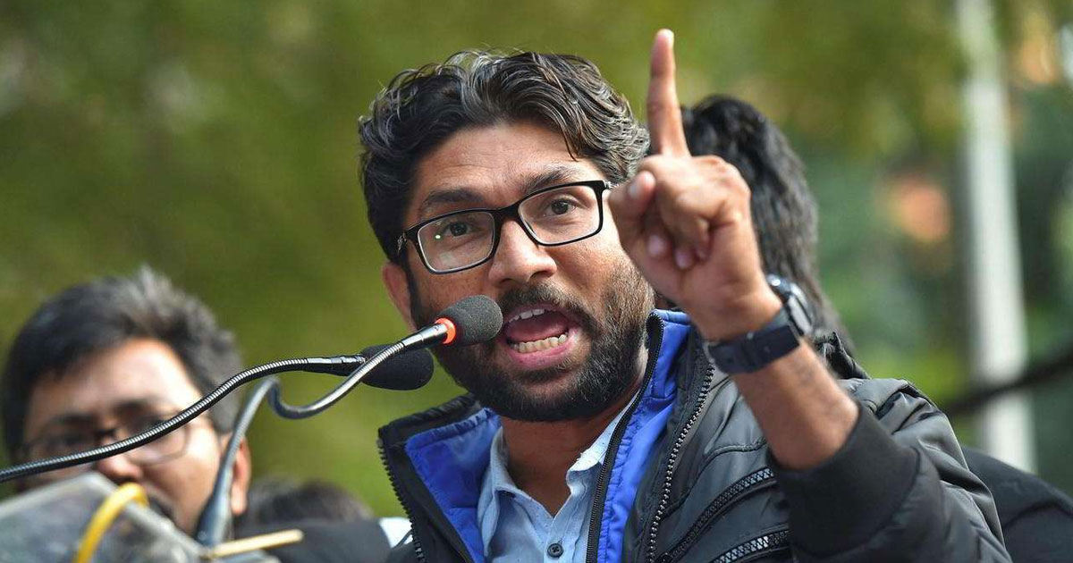 http://www.meranews.in/backend/main_imgs/jignesh-mevani-eng_on-vishwa-adivasi-divas-jignesh-mevani-to-address-rallies-in-varanasi_0.jpg