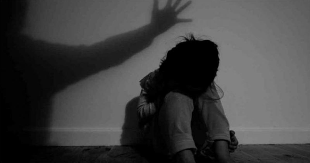 http://www.meranews.in/backend/main_imgs/minor-girl_gujarat-minor-girl-raped-by-hiv-infected-man-in-surat_0.jpg