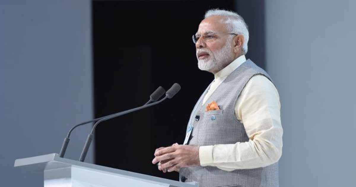 http://www.meranews.in/backend/main_imgs/narendra-modi-dubai-world-government-summit_narendra-modi-lauds-aadhaar-at-world-government-summit-speech-in-dubai_0.jpg