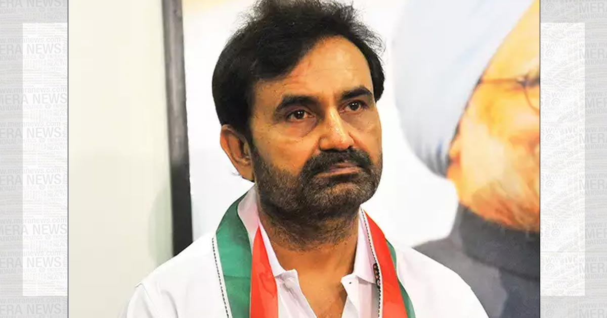 http://www.meranews.in/backend/main_imgs/shaktisinh-gohil-meranews_all-three-congress-heavyweights-lose-for-a-second-election-in-a-row_0.jpg